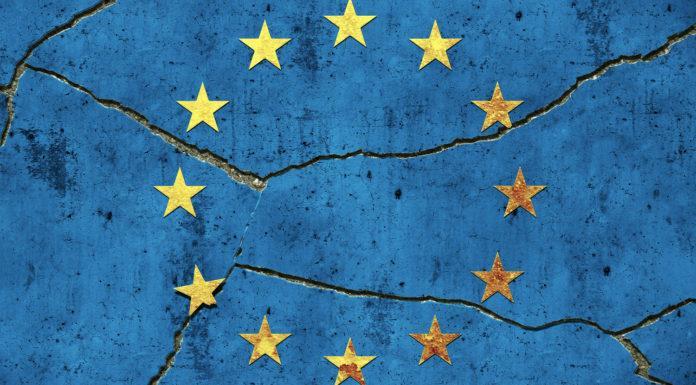 EU: Wet Wapens en Munitie Aangescherpt ipv Asielbeleid